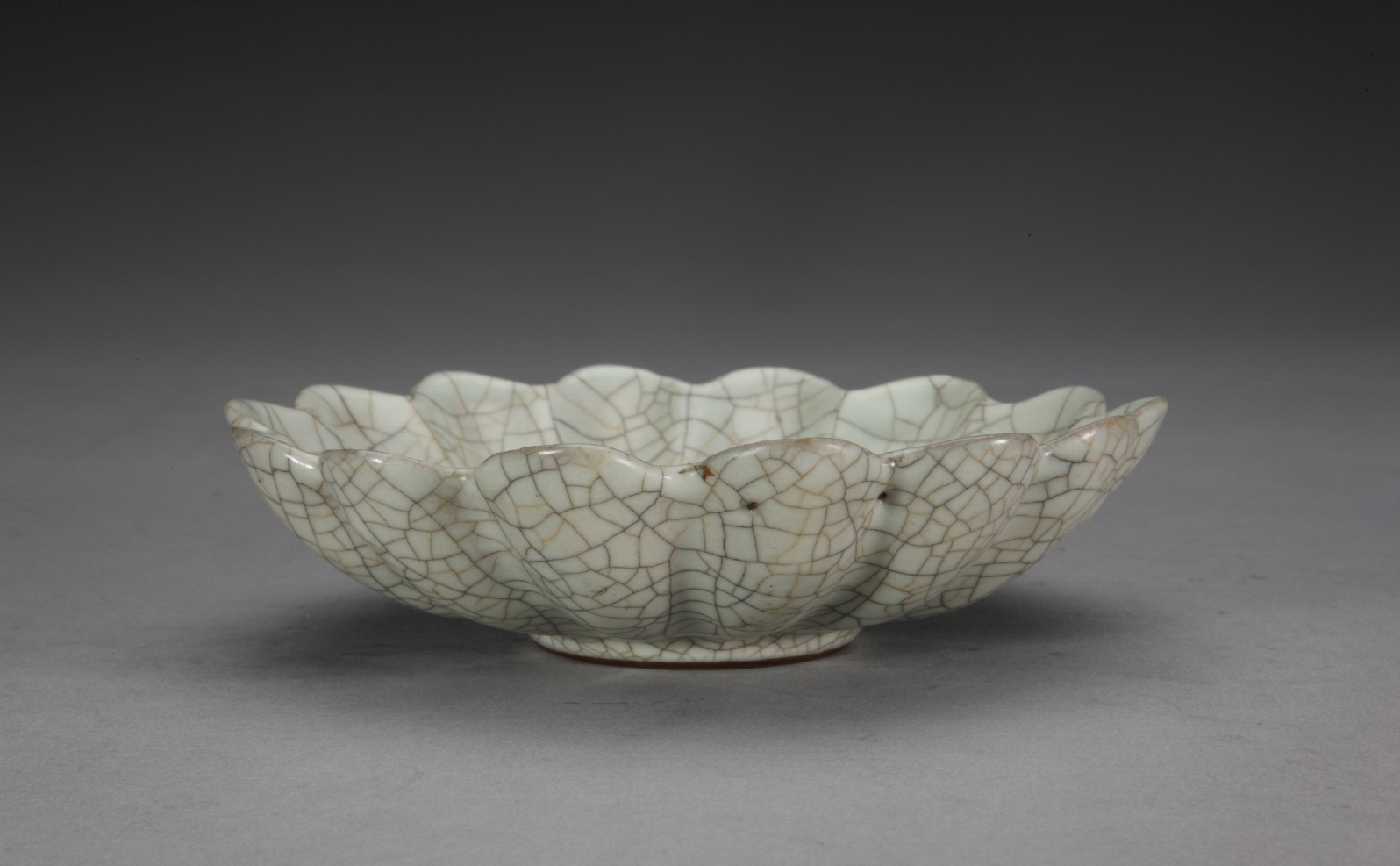 35d5dcaa928dbfe73d05ba0daad1d525 Ceramic  collections in  The Palace Museum - shengjiang  ceramic  factory   porcelain art hand basin wash sink
